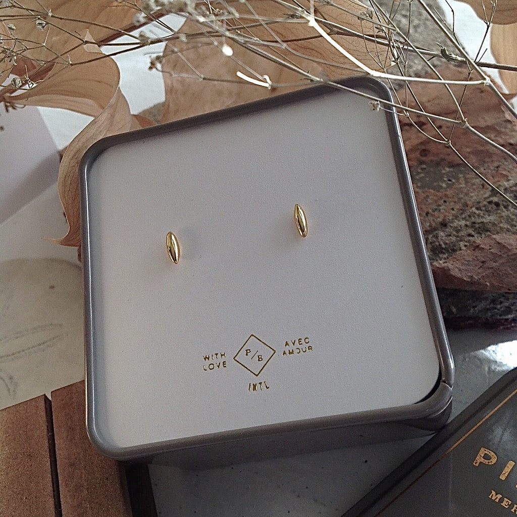 Minimalist gold stud earrings