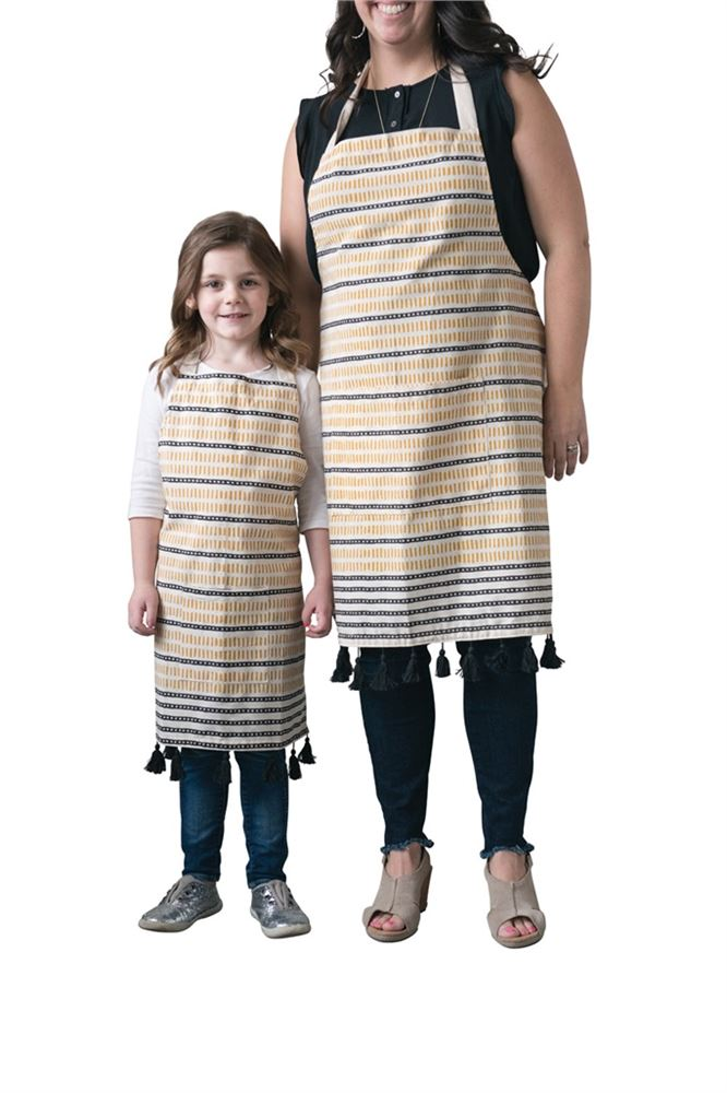 Cotton Woven Apron w/ Pocket & Tassels