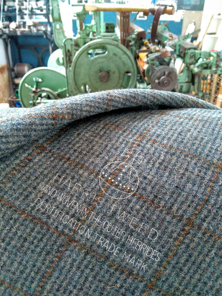 HARRIS TWEED ~Grey Sea Overcheck ~ ULS#36
