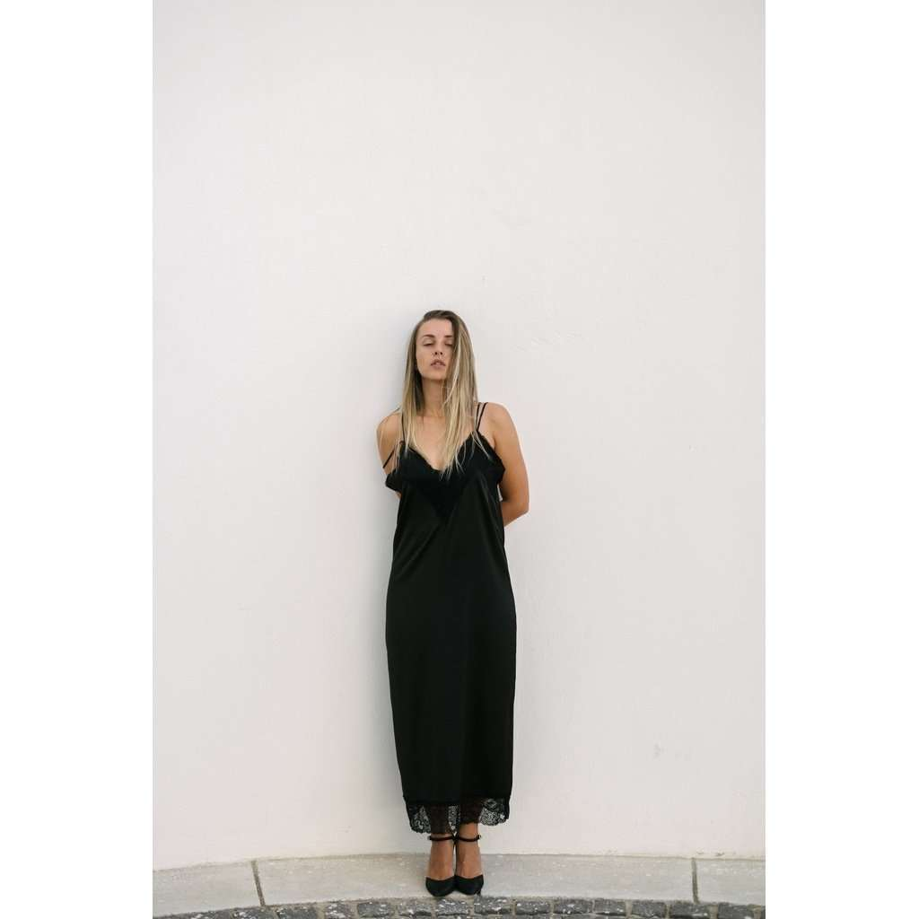 Bareback black dress CoolHatcher at TheArtOfLiving.Earth
