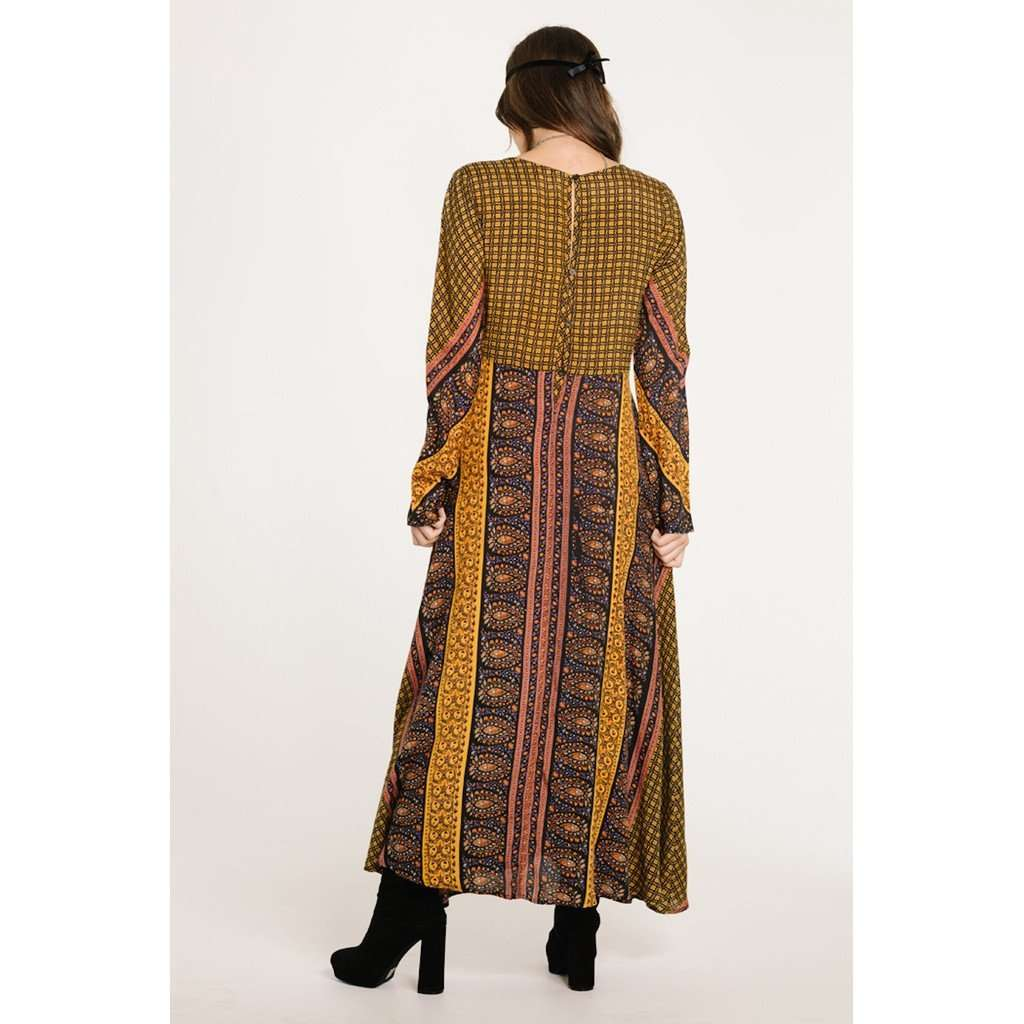 ON THE HORIZON LONG SLEEVE MAXI CoolHatcher at TheArtOfLiving.Earth