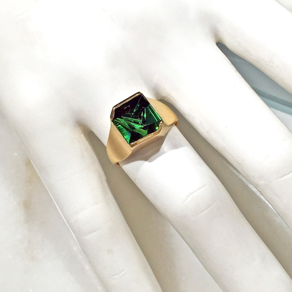 Atelier Munsteiner - Atelier Munsteiner Abstract-Cut Green Tourmaline Gold Ring - Szor Collections - 2