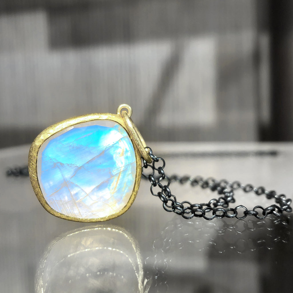 Petra Class Faceted Rainbow Moonstone One of a Kind 22k Gold Pendant Necklace - Szor Collections