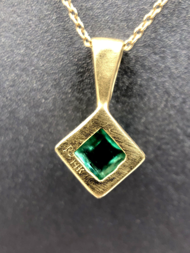 Rebecca Overmann Vintage Natural Sugarloaf Emerald Diamond Gold Necklace - Szor Collections