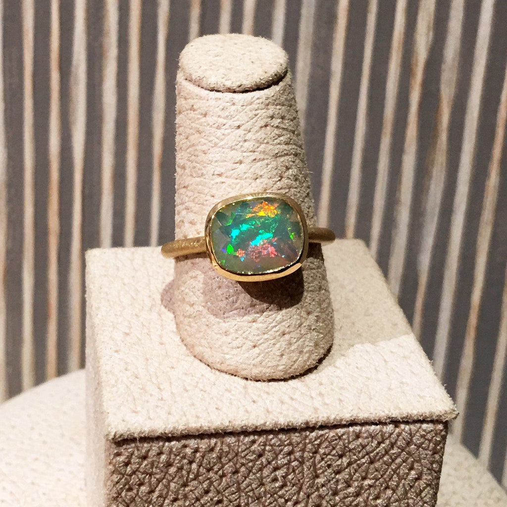 Geoffrey Good Faceted Sudanese Rainbow Opal One of a Kind Gold Ring - Szor Collections - 4