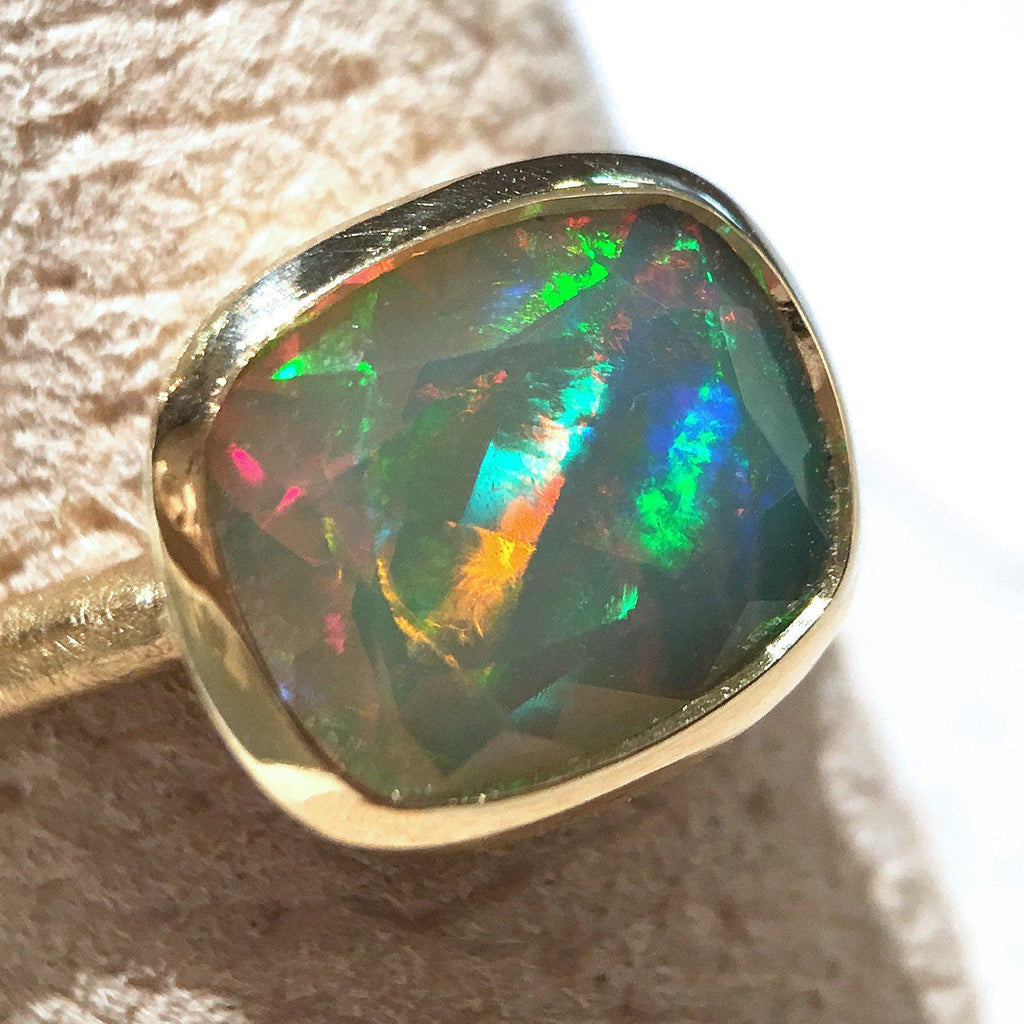 Geoffrey Good Faceted Sudanese Rainbow Opal One of a Kind Gold Ring - Szor Collections - 3