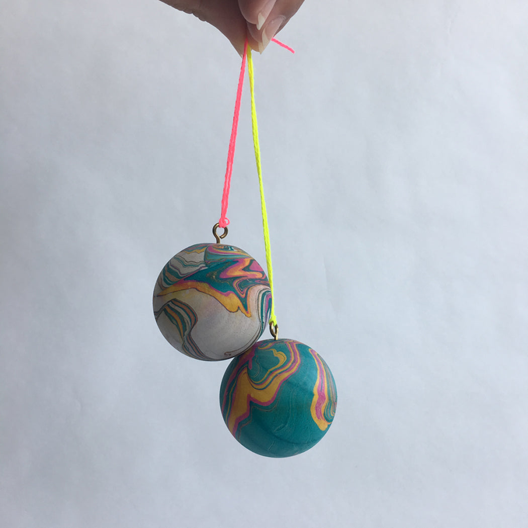 MARBLE BALL ORNAMENT