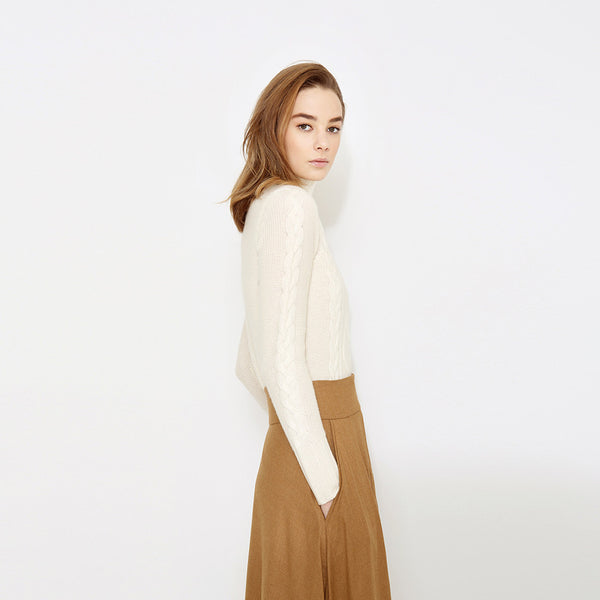 "<i id=""HT"">02</i> Mock Neck Cashmere Cable Sweater"