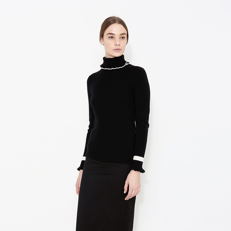 "<i id=""HT"">08</i> Fine Gauge Rib Cashmere Turtle Neck Ruffle Trim Sweater with Tippings"