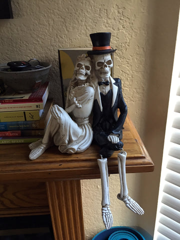 Skeleton Couple