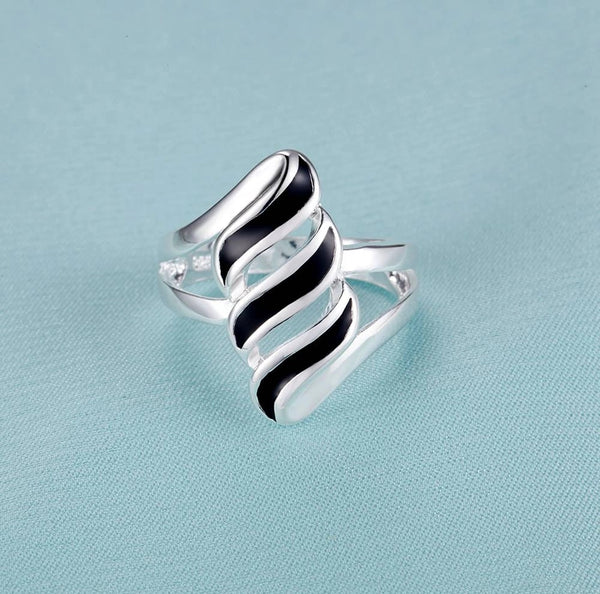 Ring: Black Squiggle Ring