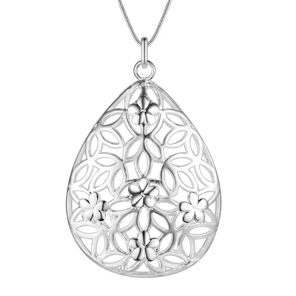 Necklace: Abstract 3D Oval Pendant Necklace