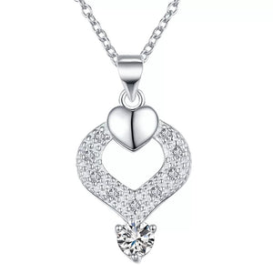 Necklace: Elegant Teardrop Heart Pendant Necklace