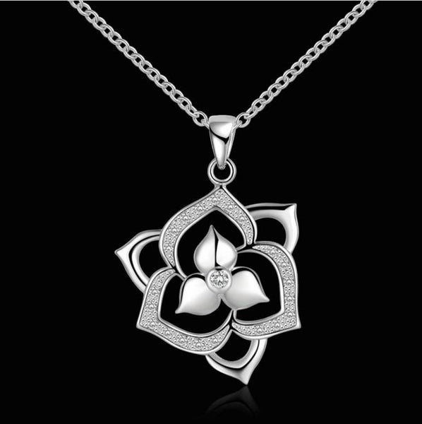 Necklace: Blossoming Flower Pendant Necklace