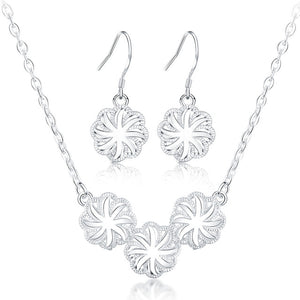 "Jewellery Set: Gorgeous ""Melinda Star"" Necklace and Earrings Set"