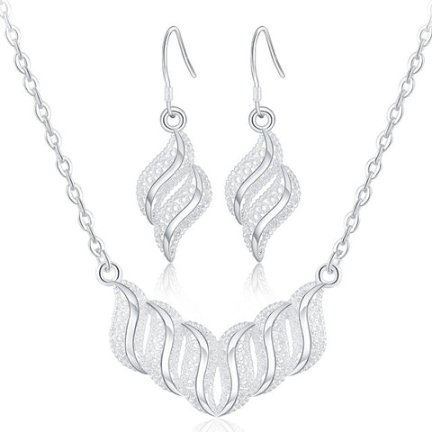 "Jewellery Set: Gorgeous ""Georgina"" Necklace and Earrings Set"