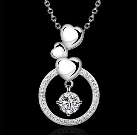 Necklace: Cascading Heart Pendant Necklace
