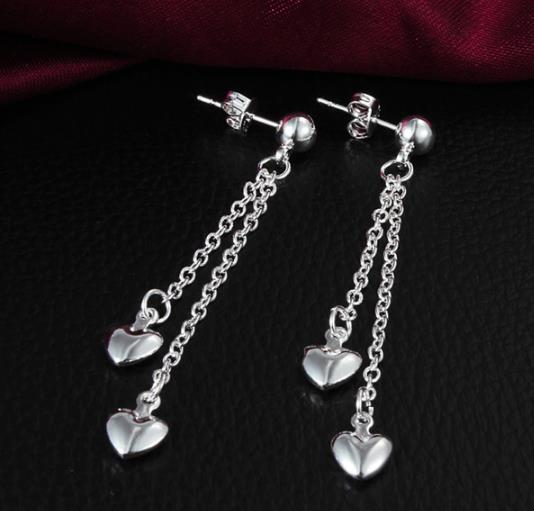 Earrings: Elegant Dangle Heart Earrings