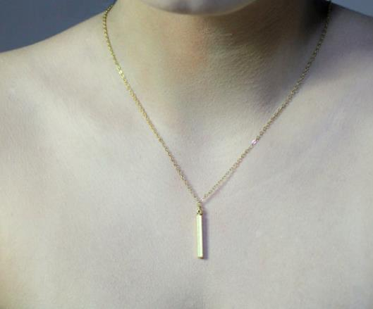 Necklace: Simple Vertical Bar Pendant Necklace - Gold