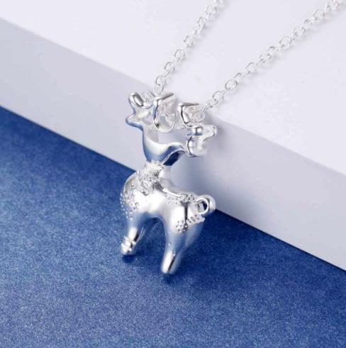 Necklace: Reindeer Pendant Necklace