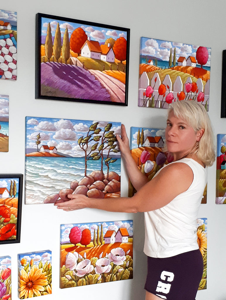 arts cathy horvath with paintings