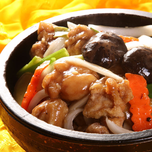 Chicken hot pot with ginger, shallots and mushrooms - Restaurant PM