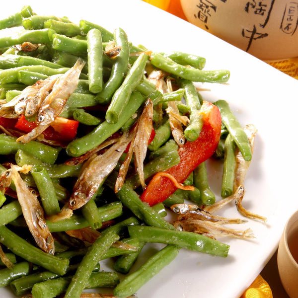 Dried fish with fresh green beans