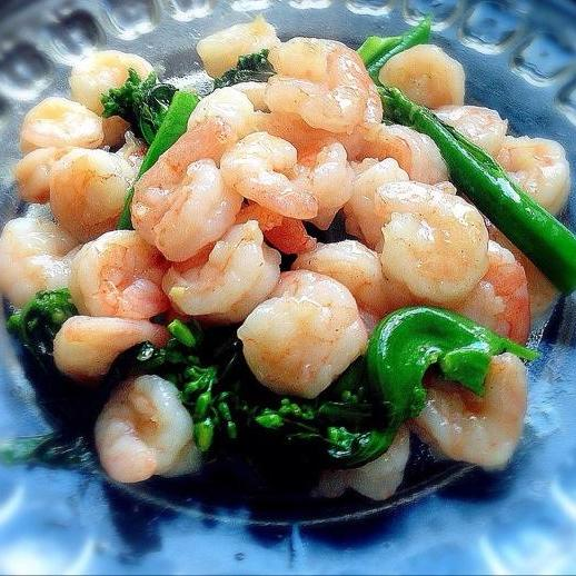 Shrimps with stir fried Chinese broccoli