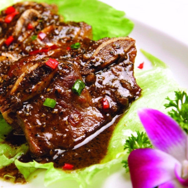 Sizzling beef short ribs with black pepper / honey garlic sauce