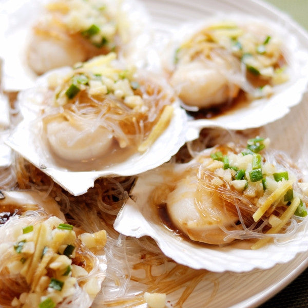 Steamed Scallops with vermicelli in shell with garlic - Restaurant PM