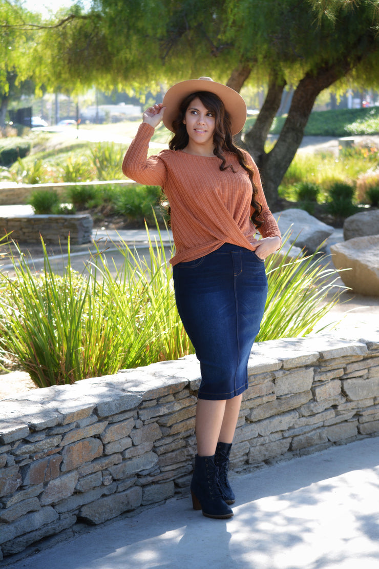 Zinnia Rust Ribbed Top