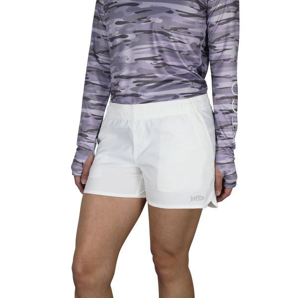 Featured Color - Women's Sirena Hybrid Tech Shorts Long