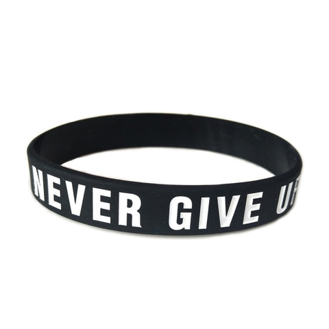Never Give Up Motivational Wristband