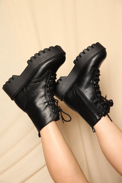 Doc Lug Sole Combat Boots Black
