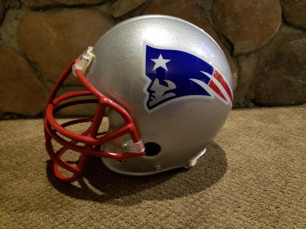 NEW ENGLAND PATRIOTS RIDDELL FULL SIZE FOOTBALL HELMET