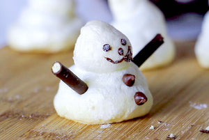 recipe: snowmen meringues to decorate your log cakes this christmas