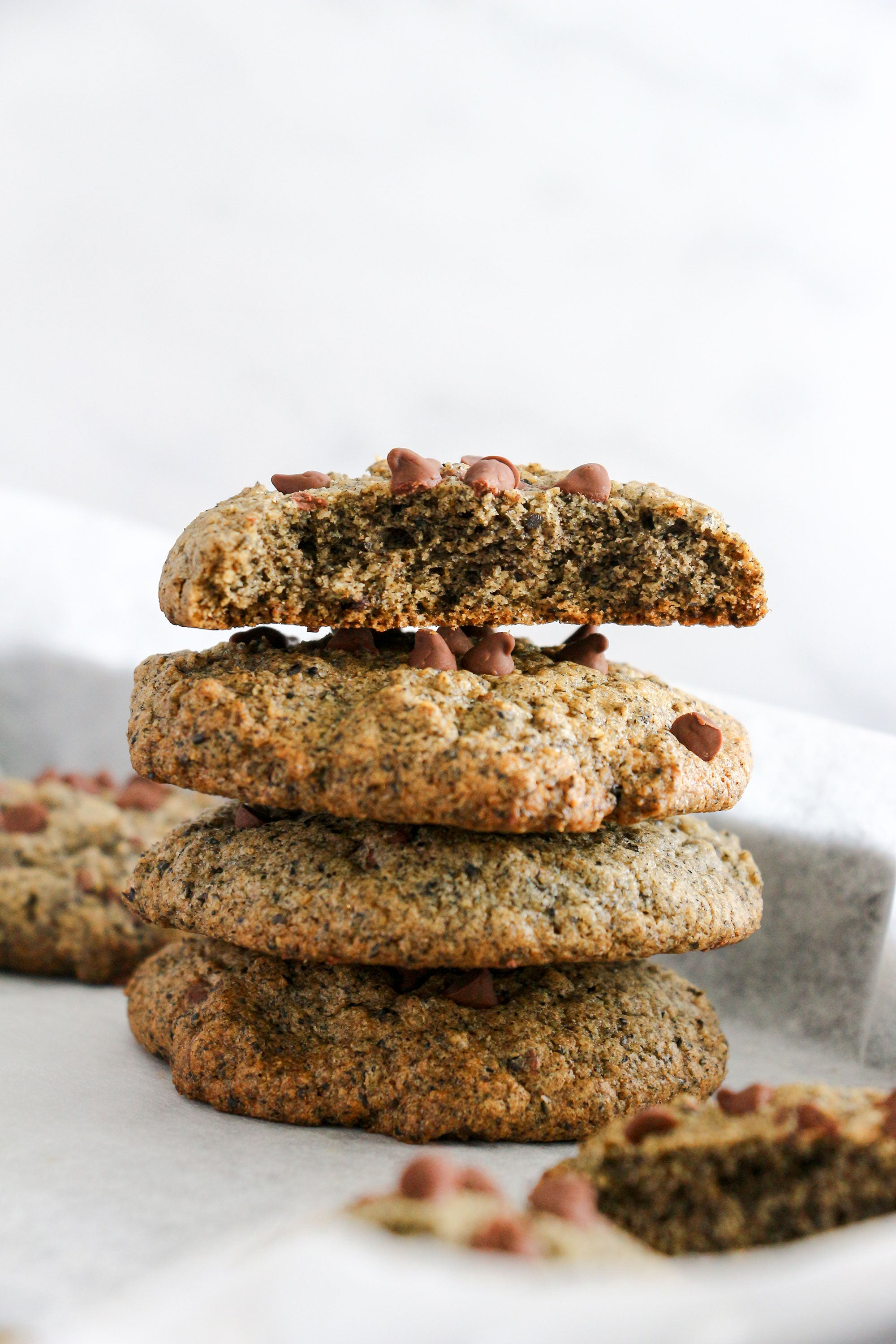 black sesame dark chocolate chip cookies
