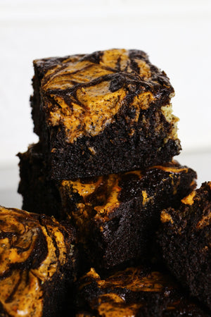 Thai Tea Tango | Thai Tea Cheesecake Brownies (~16 slices)
