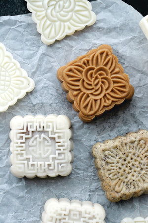 Mooncake Mold, Square (100g–150g, 4 Designs)