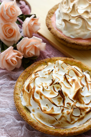 La Vie En Rose | Pistachio Rose Meringue Tarts Ltd. Ed. (makes x2 tarts)