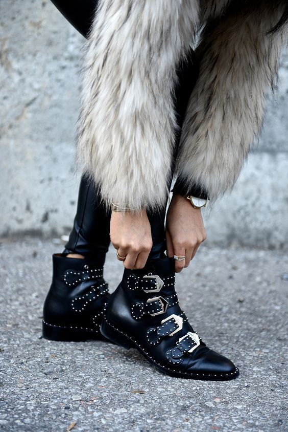 Style Essentials: The Fall Boot