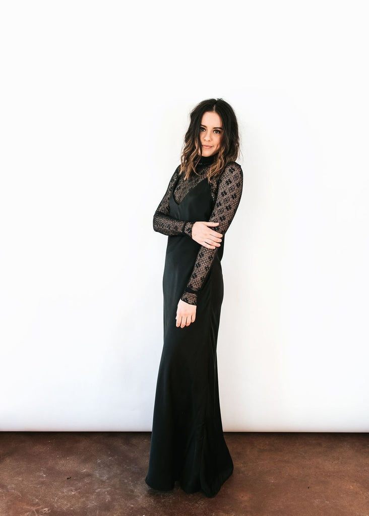 ELIZABETH Black Maxi Dress