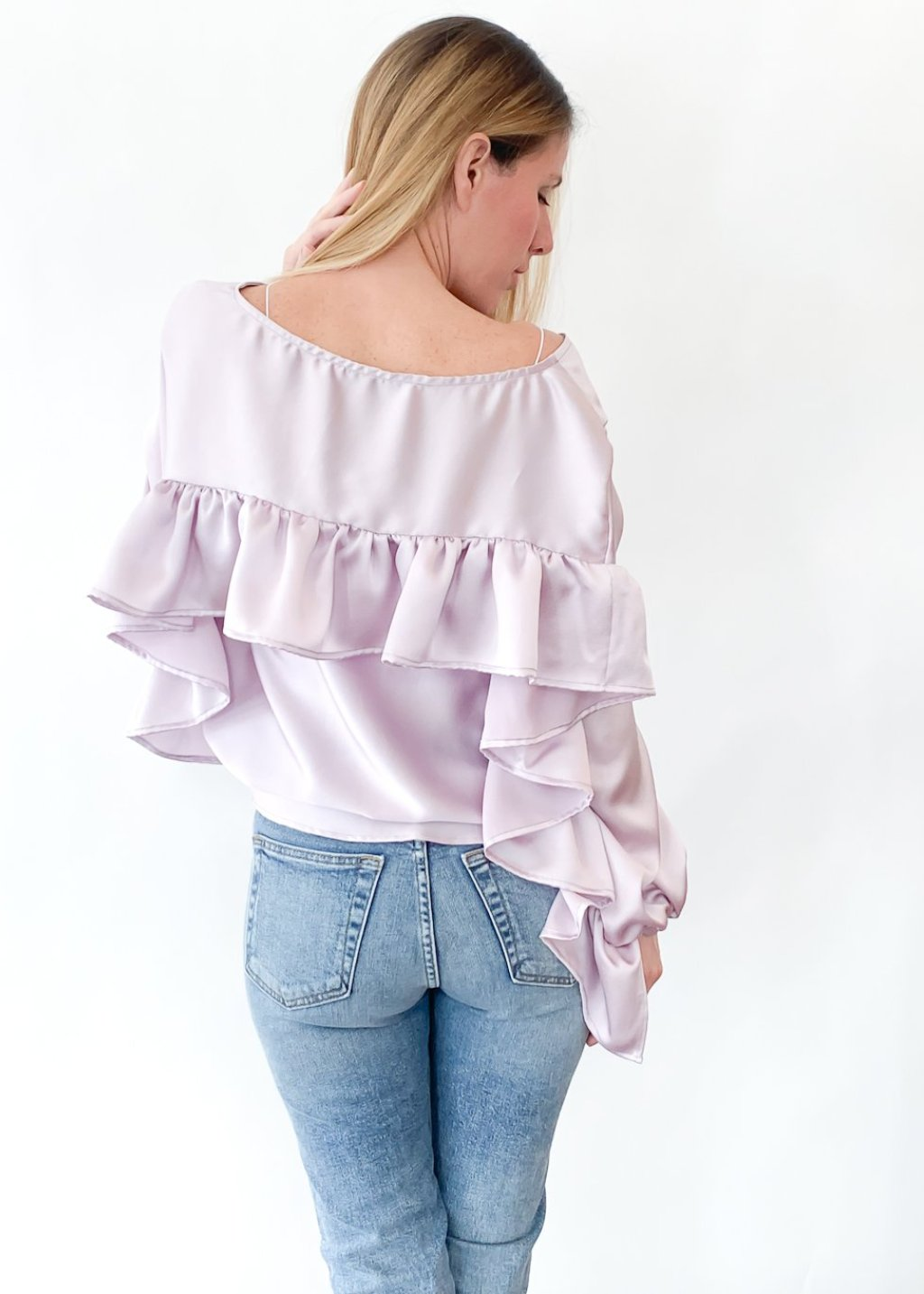 <h1>ELIZABETH Ruffle Back Top in Lavender</h1>