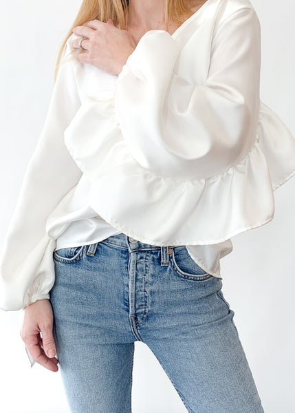 <h1>ELIZABETH Ruffle Back Top in White </h1>