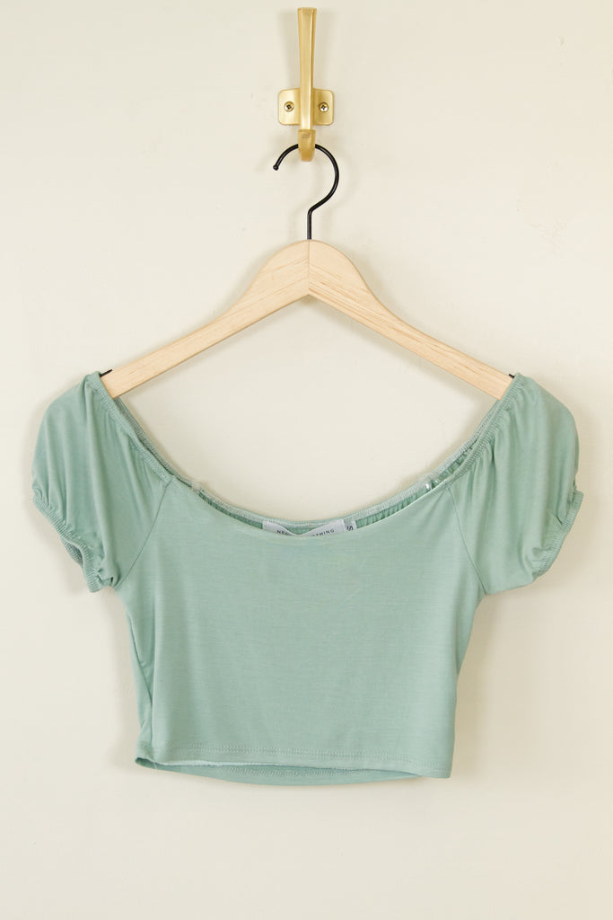 sage short puff sleeve crop top
