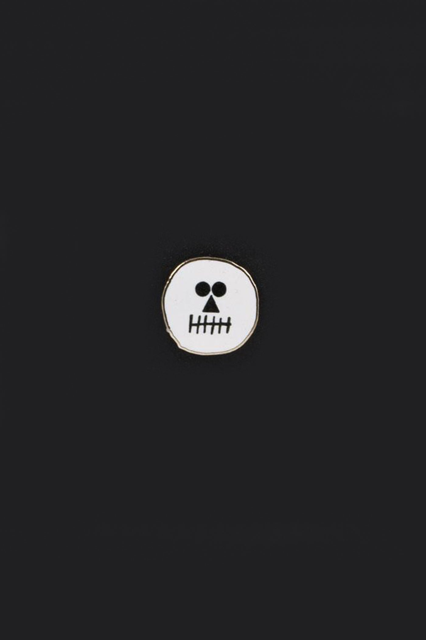 Skull Pin by U Studio