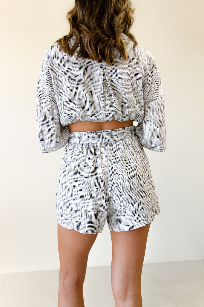 black & White paperbag waist linen shorts