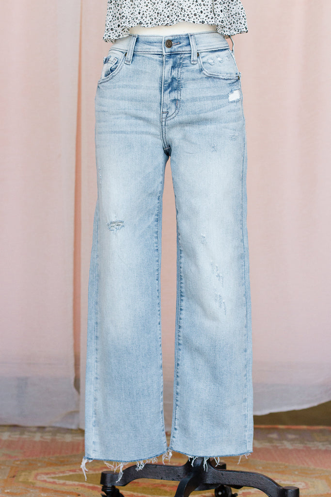 Ligh Wash Wide Leg Jeans