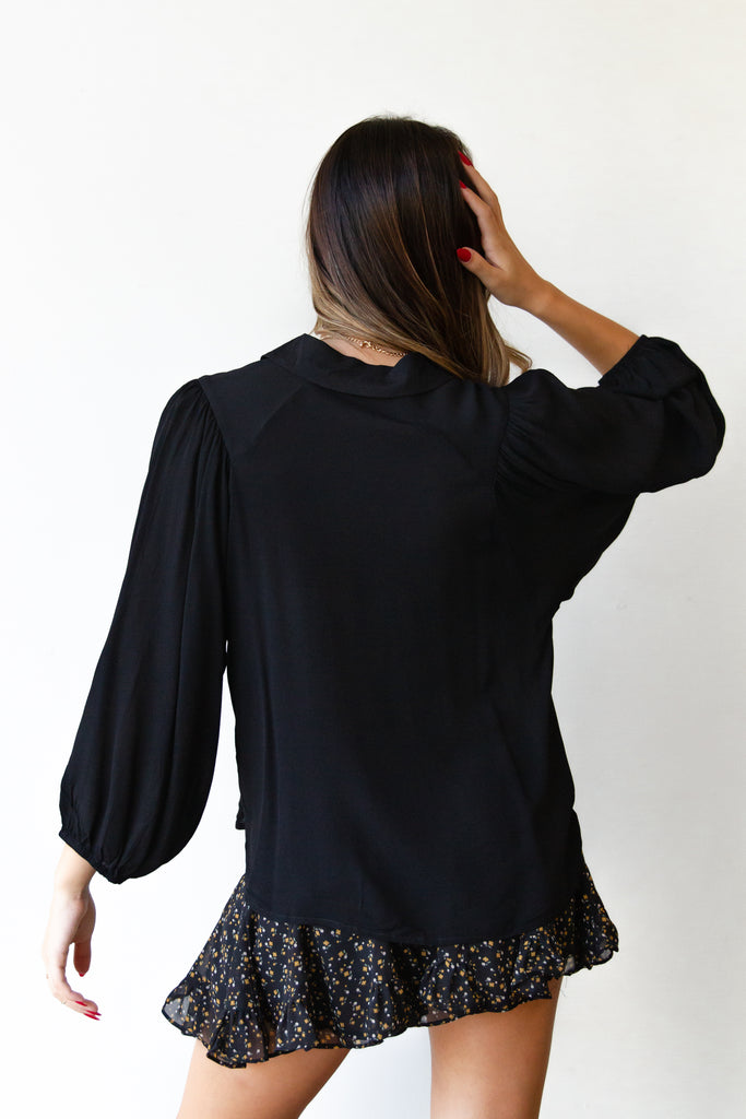 black long sleeve flowy top