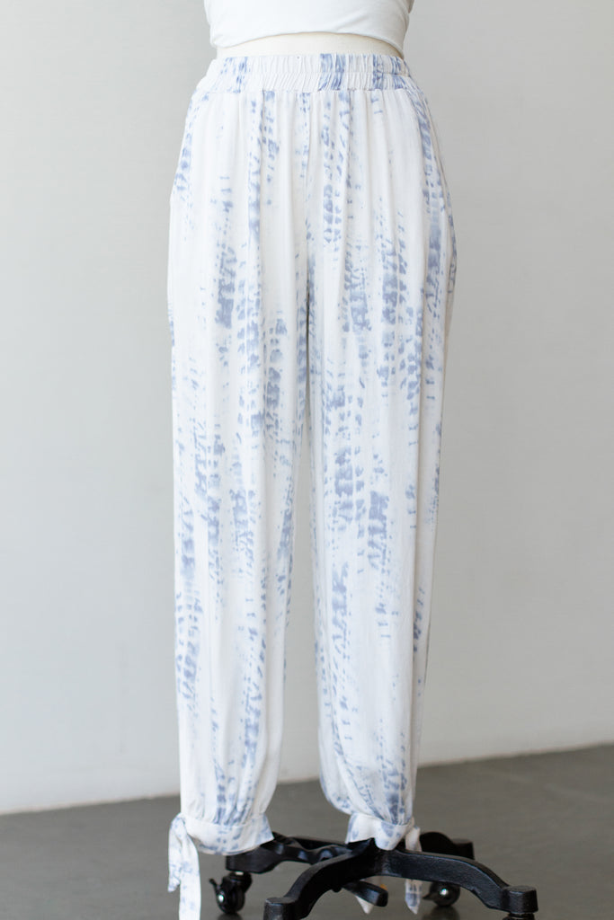 blue/white tie dye pants